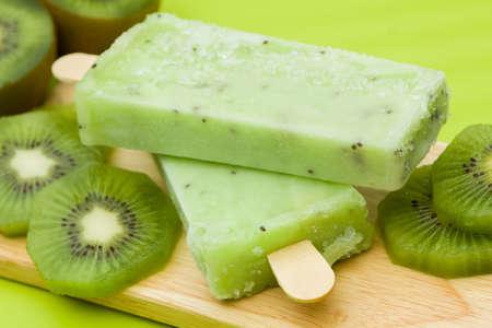 helados con palito: Quédate helado de kiwi sabor