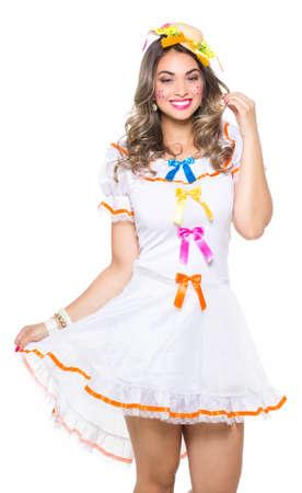 소녀는 전통적인 브라질 바보 입은.