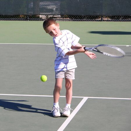raquet: Boy Playing Tennis