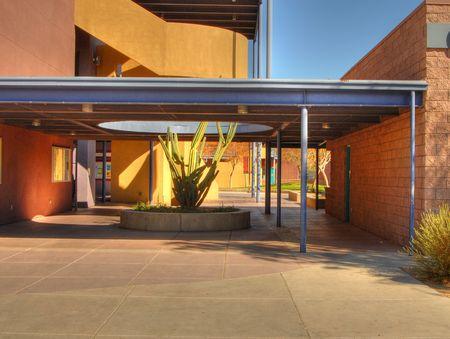 Seleccione los detalles de un moderno campus de la escuela