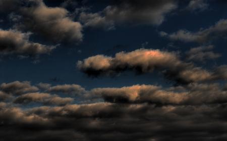 desert storm: Tarde de alta definici�n nubes de tormenta del desierto Foto de archivo
