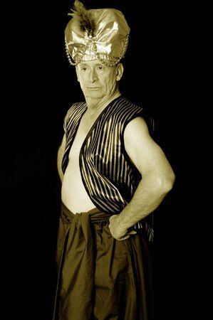 tiran: Een oudere sultan of shiek geïsoleerd dan zwart Stockfoto