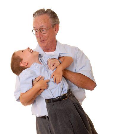 父息子ホワイト上で楽しんでを持ち上げる 写真素材 - 9268334