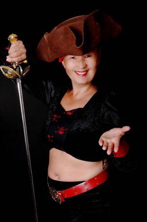 cutlass: Una mujer encantadora pirata con un cutlass