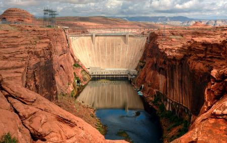 glen: Glen Canyon dam on the colorado river and lake powell Stock Photo