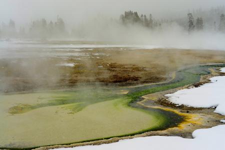 地熱プール冬イエローストーン国立公園