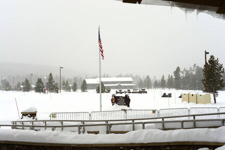 Headquarters Yellowstone National park mid winter snowing Reklamní fotografie