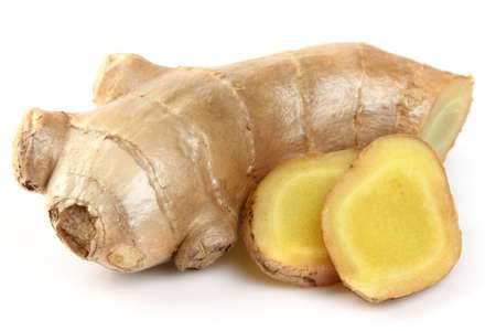 fresh ginger: Ginger root in closeup