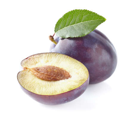 purple leaf plum: Plums with leaves