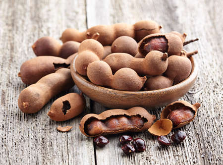 Tamarind fruit with seeds Banque d'images