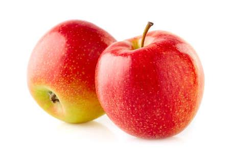 Deux pommes en gros plan sur fond blanc