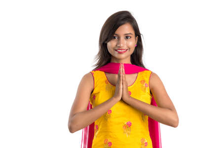 Beautiful Indian girl with welcome expression (inviting), greeting Namaste. Stock fotó - 150640892