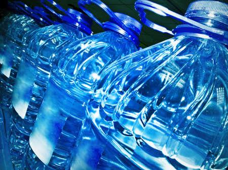 Fila di bottiglie di acqua Archivio Fotografico - 5003905
