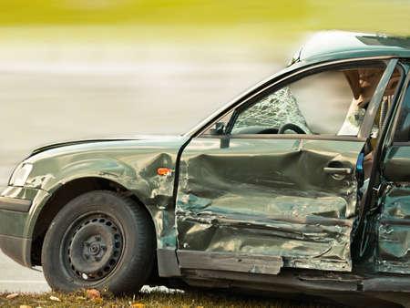 pigiatura: Auto si � schiantata