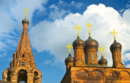 russian medieval town-church Stock Photo - 16355317
