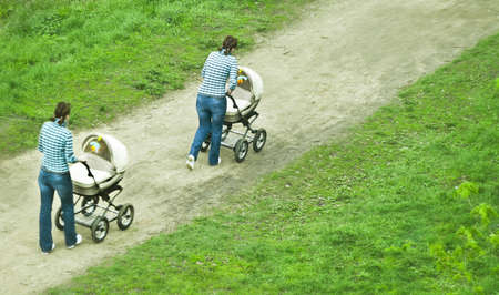 panning: mother with baby-pram, panning