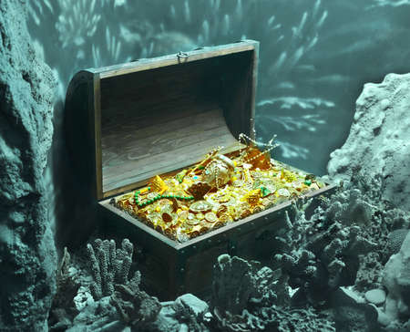 gold treasure: underwater treasure