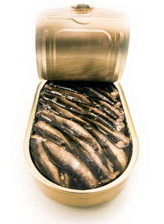 sardinas: Espadines enlatados