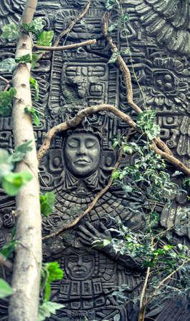 grecas: rock fretwork in jungle