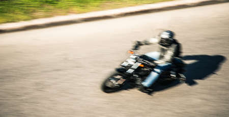 motociclista: motociclista  Foto de archivo