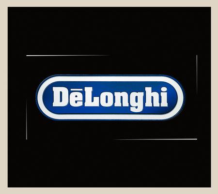 2020: DeLonghi logotype on the house white technics