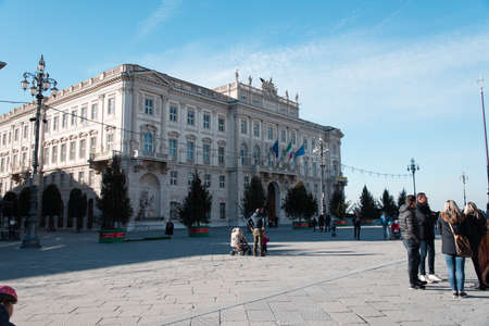 alte: Walking through art views in Trieste