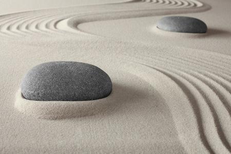 spirituelle jardin zen spa de fond avec du sable et le concept de roche pour la relaxation et la méditation harmonie tao bouddhisme conceptuelle pour le traitement welness