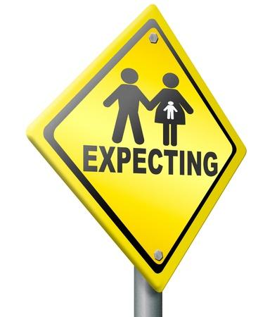 prueba de embarazo: prueba de embarazo, parto padres que esperan bebé recién nacido feliz familia esperando, pareja embarazada señal de advertencia