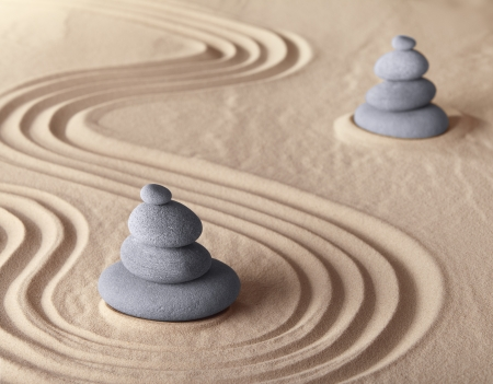 zen garden meditation stone for meditation and relaxation conceptual for simplicity harmony purity and balance background with copy space 版權商用圖片