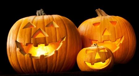 citrouille halloween: T�te de citrouille d'Halloween lanterne avec le mal effrayant fantasmagorique fait face vacances