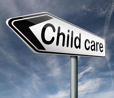 maltrato infantil: cuidado de los ni�os en la guarder�a o creshe por paternidad ni�era o au ni�era o protecci�n contra el abuso infantil flecha se�al de tr�fico