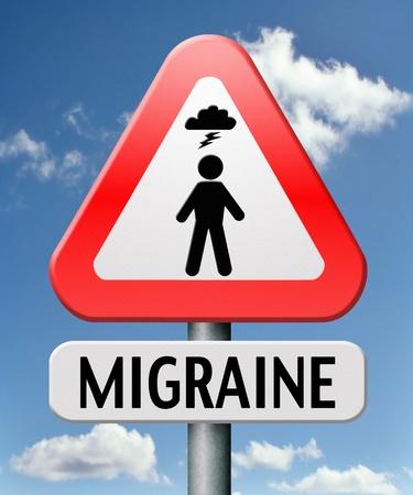 dolor de cabeza: migra�a s�ntomas de cefalea aguda o cr�nica necesidad de analg�sicos o la terapia de prevenci�n Foto de archivo