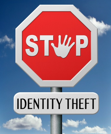 identity thieves: robo de identidad parada se�al de advertencia robo de identidad en l�nea es un crimen de Internet o cyber Foto de archivo
