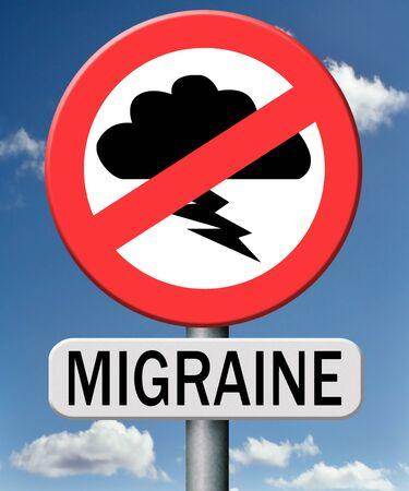 pain killer: migraine headache pain killer medicine Stock Photo