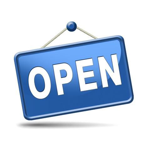 Open bord met vermelding van de openingstijden van winkels Stockfoto