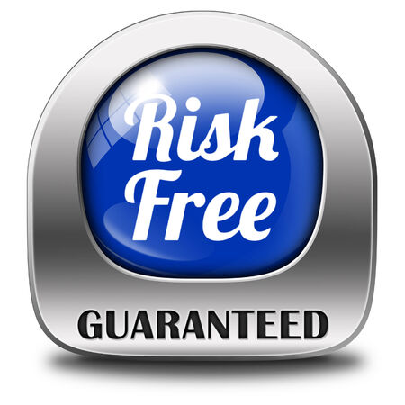 safe investments: rischio label libero o firmare la qualit� 100% di soddisfazione elevato del prodotto garantita investimento sicuro negozio web garanzia non rischia icona adesivo o la sicurezza prima bandiera