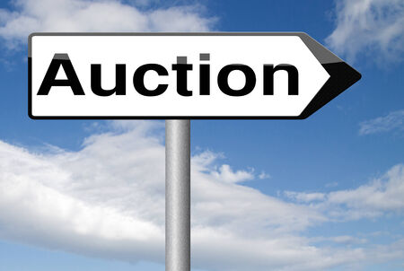 online bidding: nternet auction icon bid and buy online Stock Photo