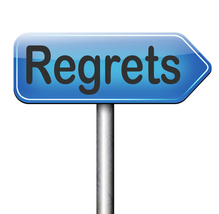 avergonzado: lamento o no se arrepiente diciendo lo siento y ofrecer disculpas sentir verg�enza por malas decisiones