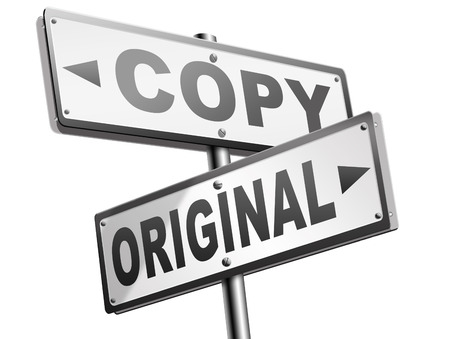original idea or copycat cheap and bad copy or unique top quality product guaranteed road sign Archivio Fotografico