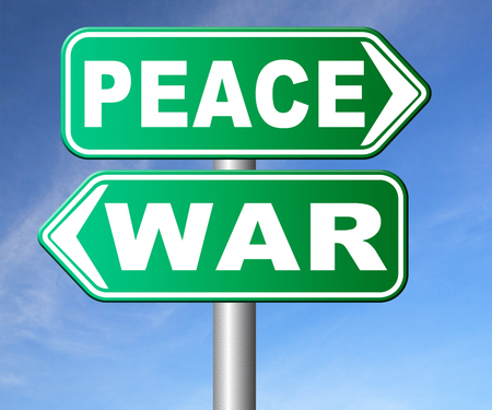 faire l amour: make love not war fight for peace stop conflict and say no to terrorism pacifism road sign Banque d'images