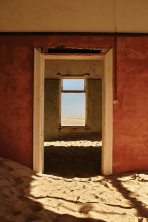 kolmanskop: Abandoned ruin in the ghosttown Kolmanskop, Namibia