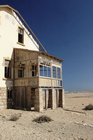 kolmanskop: Abandoned ruin in the ghost town Kolmanskop in Namibia Stock Photo