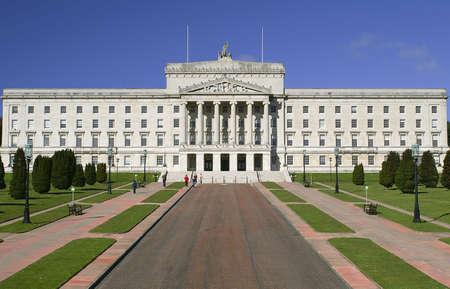 Prachtige gebouw van het Parlement.  Stormont in Noord-Ierland