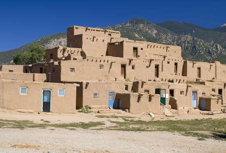 adobe wall: Antica citt� di Taos, Nuovo Messico USA.