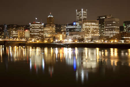 View of Portland, Oregon overlooking the willamette river. Stock Photo - 8645943