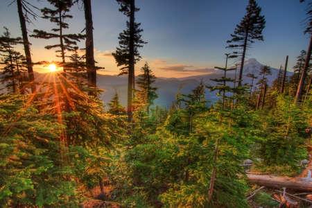 Majestic View van Mt. Hood op een heldere, zonnige dag in de zomer maanden. Stockfoto