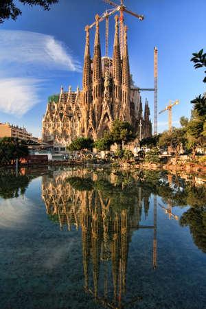 Geweldige beeld van de kathedraal van La Sagrada Familia in Barcelona.