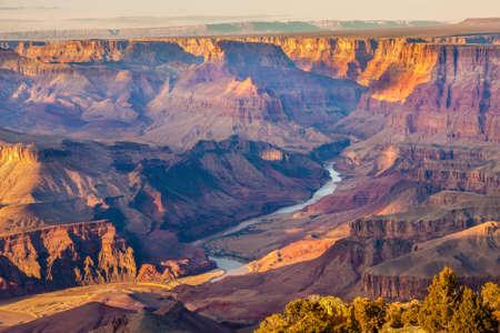 Mooi Landschap van de Grand Canyon van Desert View Point met de Colorado rivier zichtbaar