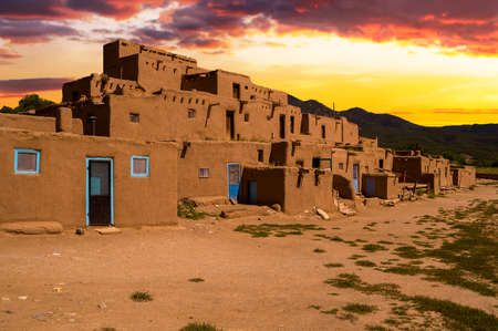 Ancient City of Taos, New Mexico USA 版權商用圖片 - 30668452