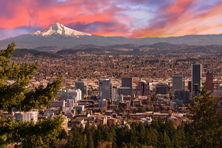 portland: Sunrise View of Portland, Oregon from Pittock Mansion. Stock Photo